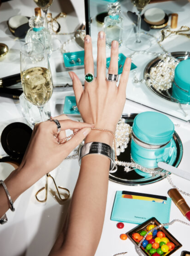 TIFFANY & CO. Iconic Collection